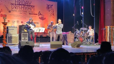 GUILLAUME_BARRAUD_QUARTET_HRIDAY_DRISHYAM_FESTIVAL_BHOPAL_INDIA(2)